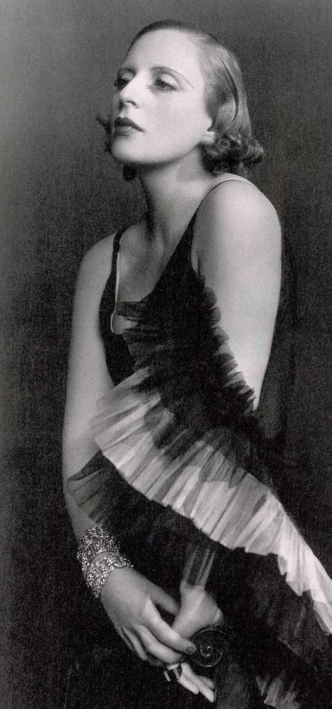 Tamara-de-Lempicka-art-deco-woman-female-painter-1920s-1930s
